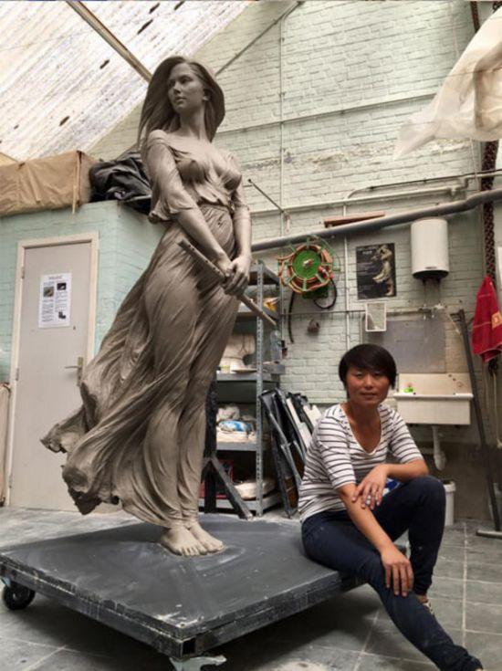 Невероятно реалистичная скульптура (4 фото)