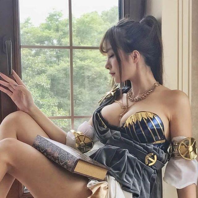 Очаровательная косплеерша Ксиа Джан (12 фото)