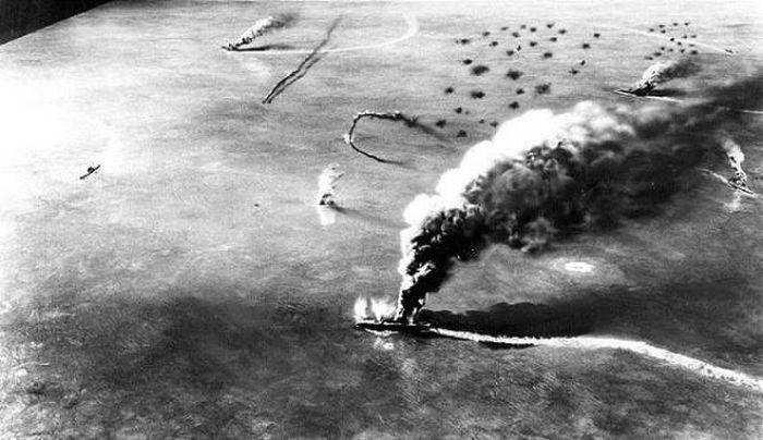 Места крупных сражений Второй мировой войны тогда и сейчас (18 фото)