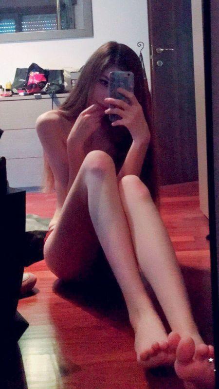 В сети появились голые фото стримерши Карины (7 фото)