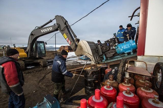 Жизнь российских полярников на архипелаге Земля Франца-Иосифа (20 фото)