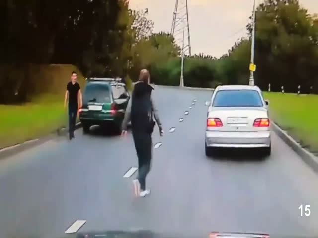 Велосипедист решил проучить виновников ДТП