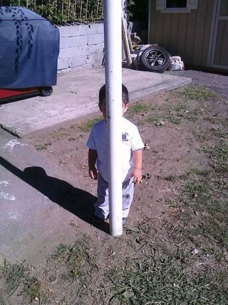 Дети играют в прятки (28 фото)