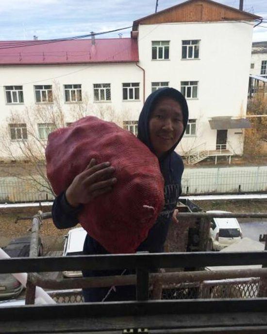 Доставка картошки на дом по-якутски (2 фото)