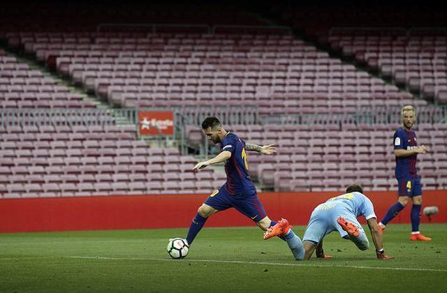 Футбольный матч «Барселона» - «Лас-Пальмас» прошел на пустом стадионе (6 фото)