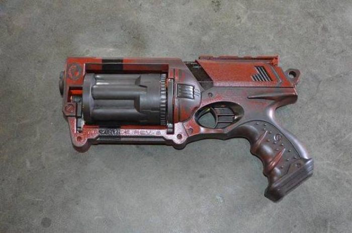 Фантастическое оружие (24 фото)
