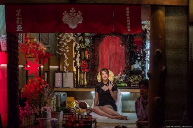 «Квартал красных фонарей» в японской Осаке (36 фото)