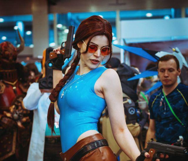 Девушки выставки «ИгроМир 2017» и фестиваля Comic Con Russia 2017 (24 фото)