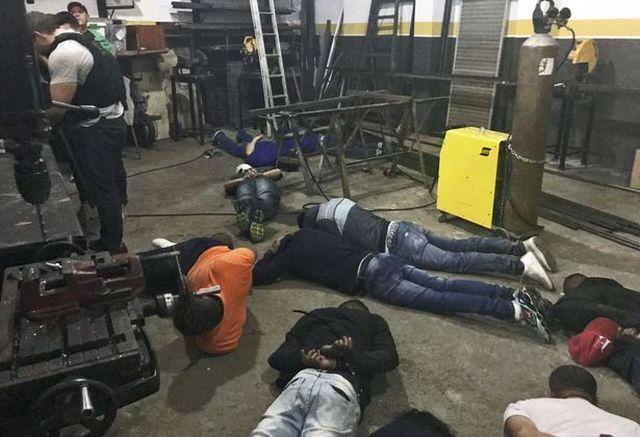Полиция Бразилии предотвратила крупнейшее в истории ограбление банка (8 фото)
