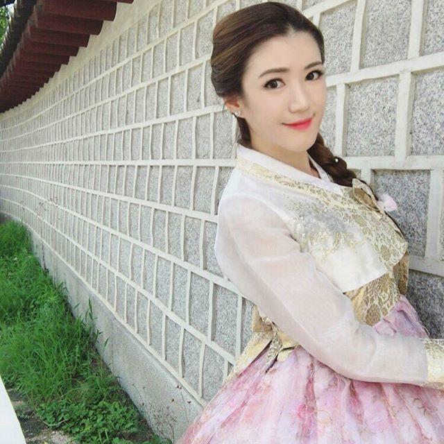 Очаровательная учительница английского Бенджаван Сом (21 фото)