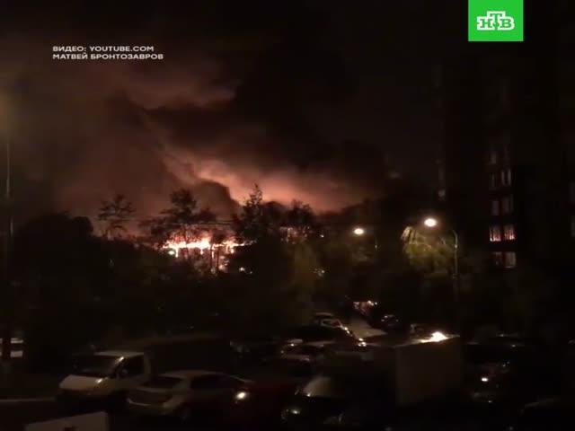 Пожар в мебельном цеху в Мытищах