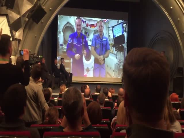 Российские космонавты о «плоской Земле»
