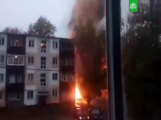 Взрыв автомобиля во дворе жилого дома в Набережных Челнах