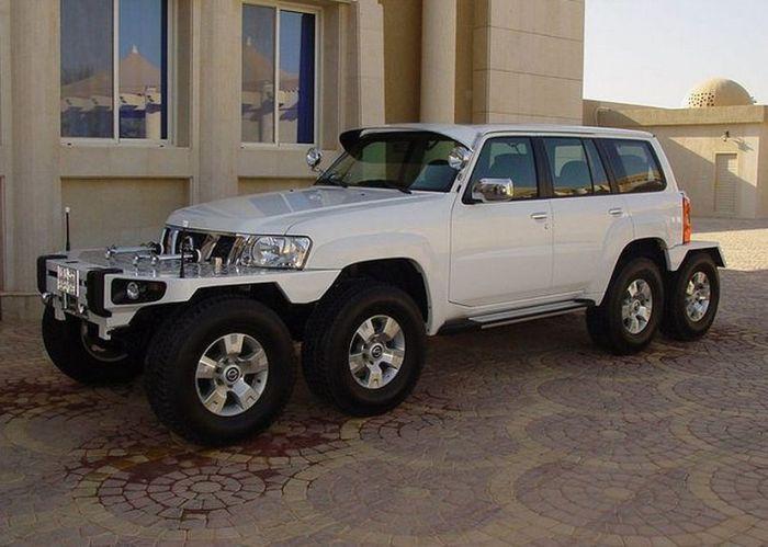 Уникальные автомобили из коллекции шейха Хамада Бин Хамдана аль Нахайяна (13 фото)