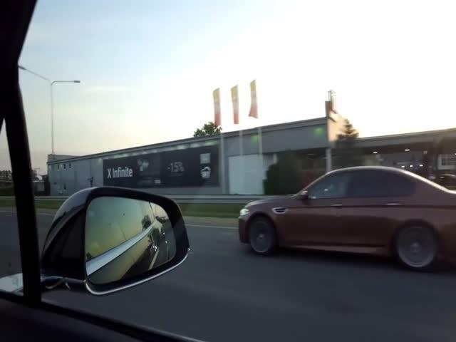 Неожиданный финал гонки Tesla Model X и BMW M5