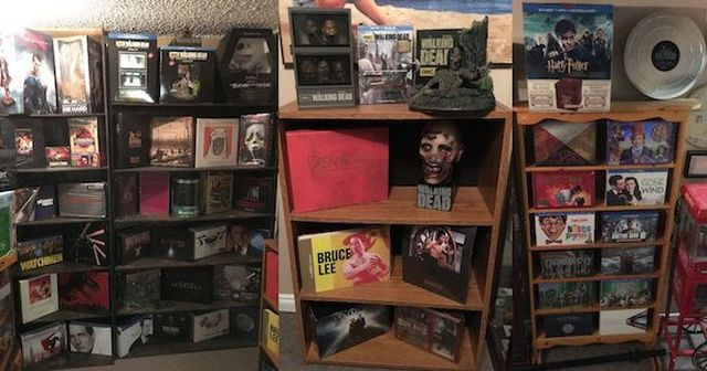 На интернет-аукционе продают коллекцию фильмов за 1 млн долларов (7 фото)