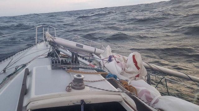 В Балтийском море найдена дрейфующая яхта-призрак (2 фото)