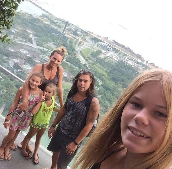 Семья из Нидерланд продала дом и имущество, чтобы купить биткоины (3 фото)