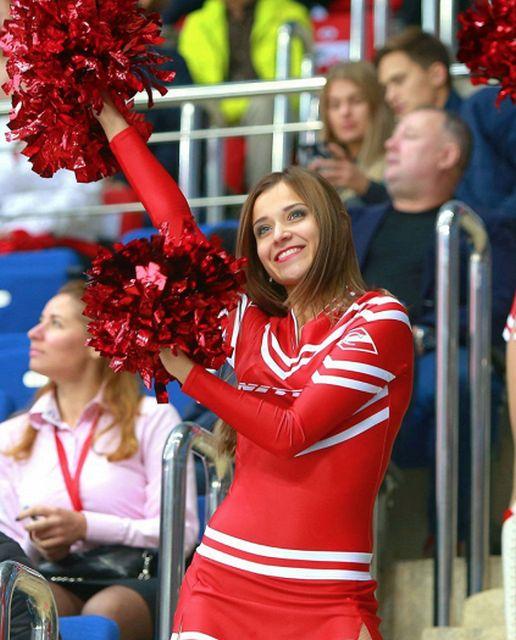 Девушки из групп поддержки SKA sisters и Spartak Angels (14 фото)