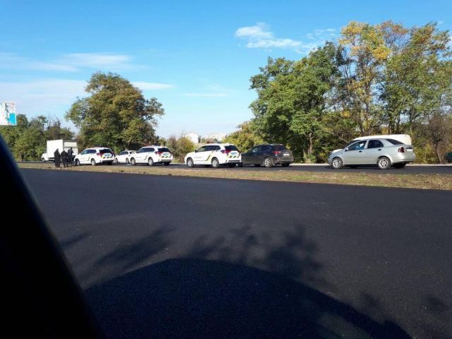В Запорожье полицейские в первый же день разбили два новых автомобиля Mitsubishi Outlander (3 фото)