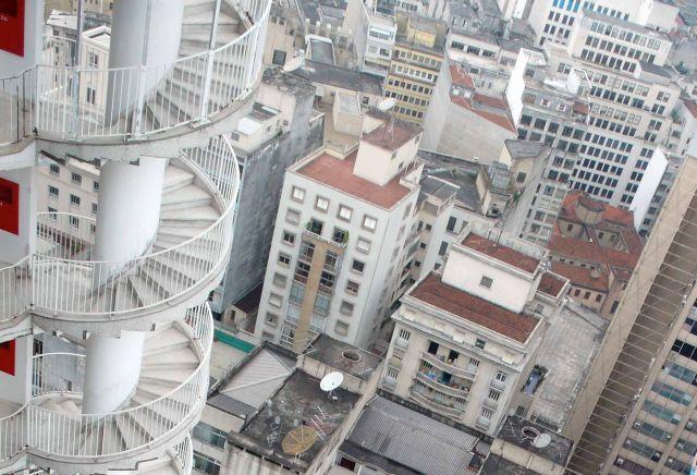 Необычное архитектурное решение из Бразилии (2 фото)