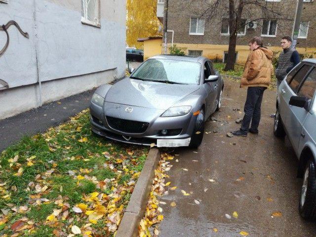 Наказание за хамскую парковку (3 фото)