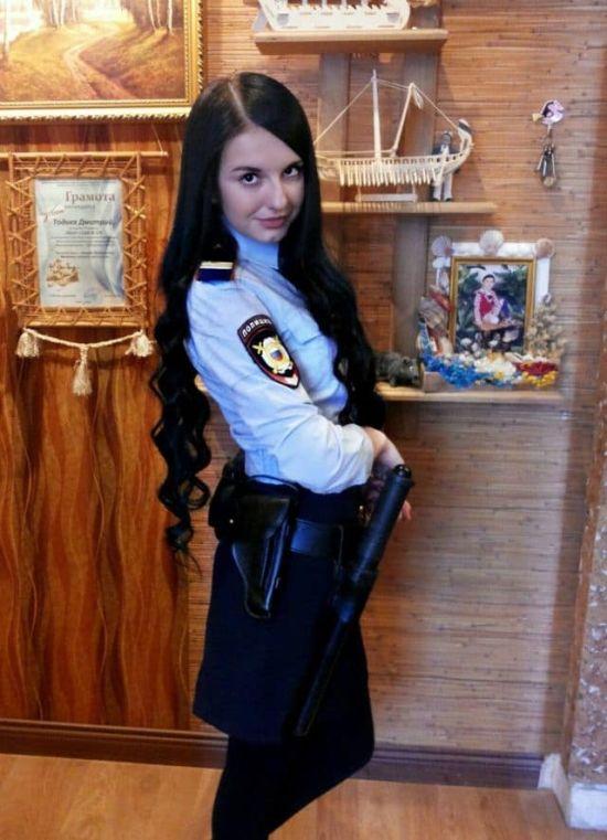 Прекрасные девушки в рядах МВД (9 фото)