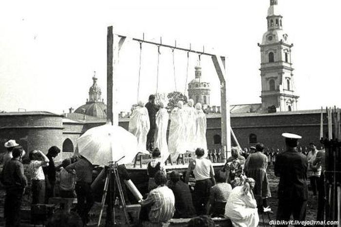 На съемочных площадках популярных советских фильмов (25 фото)