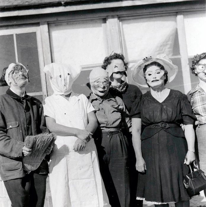 Жуткие винтажные костюмы на Хэллоуин (20 фото)