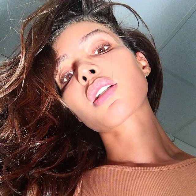 Девушкой месяца журнала Playboy впервые стала трансгендерная модель Инес Рау (16 фото)