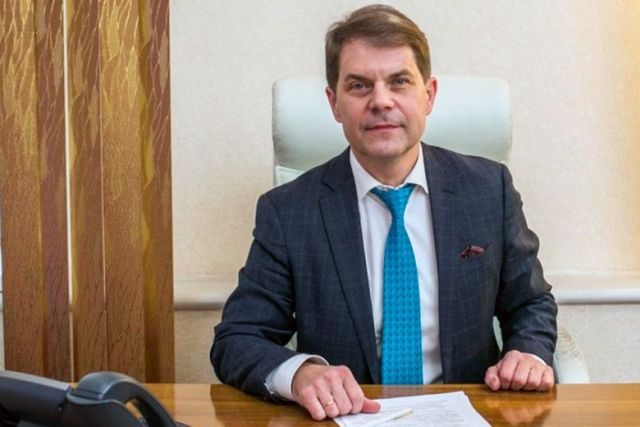 Министр здравоохранения Иркутской области Олег Ярошенко не оказал помощь пассажиру самолета