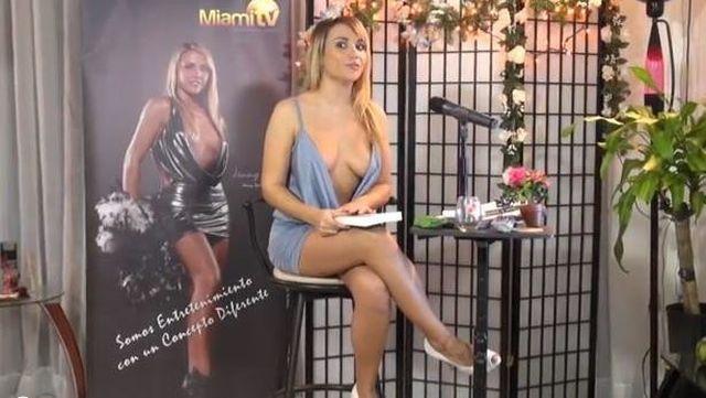 Американская телеведущая Дженни Скордамаг (14 фото)