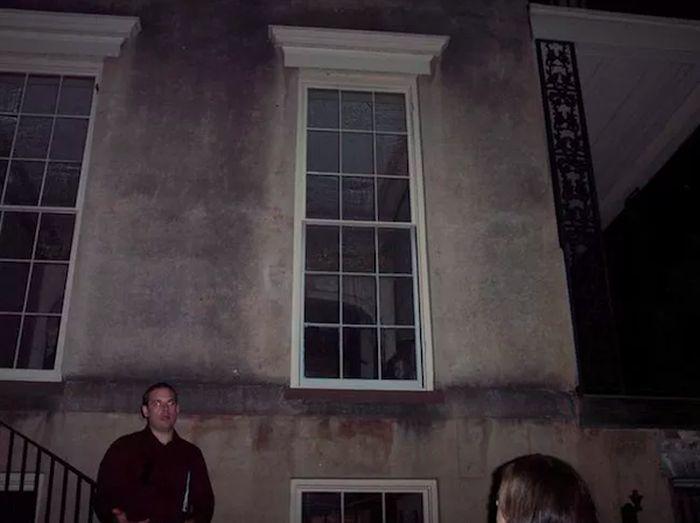 Фотографии с призраками (22 фото)
