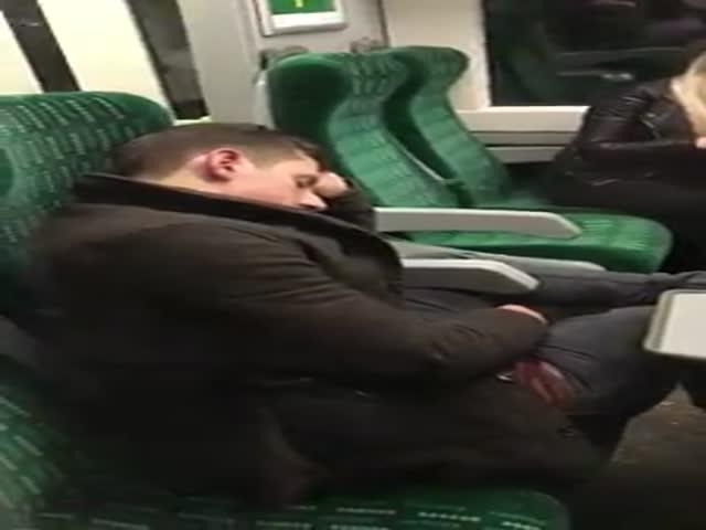 Почему не стоит засыпать выпившем в поезде