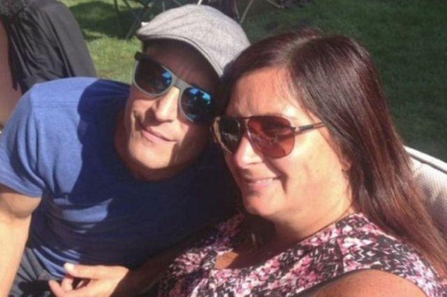 Выиграв в лотерею, канадец сбежал от своей девушки, чтобы не делиться выигрышем (3 фото)