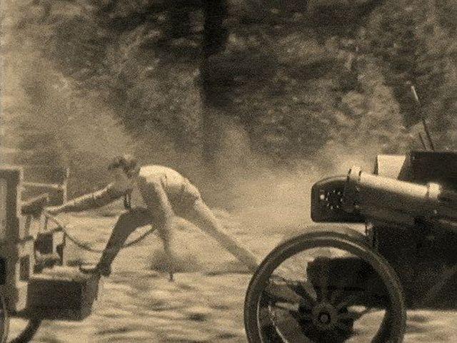 Сцены из старого кино (16 гифок)