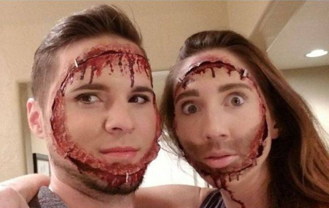 Идея для тех, кто собрался отмечать Хэллоуин вместе со своей второй половинкой (2 фото)