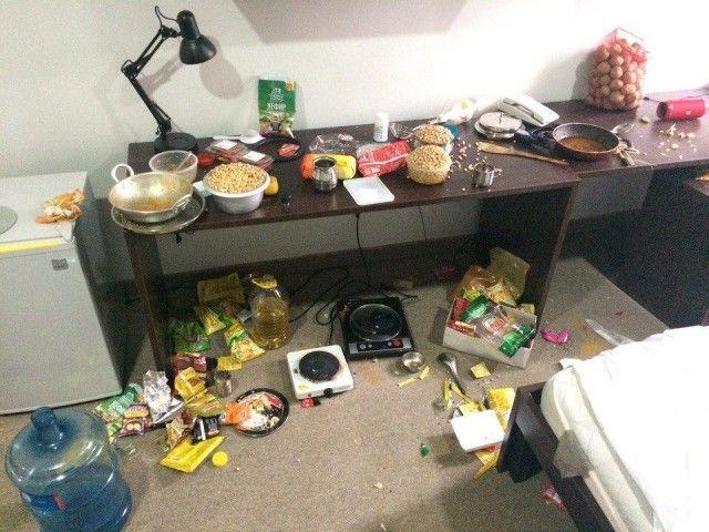 Так выглядит комната студентов из Индии (6 фото)