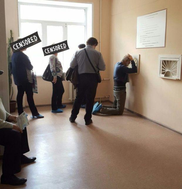 Воронежские медики ставят пациентов на колени (2 фото + видео)