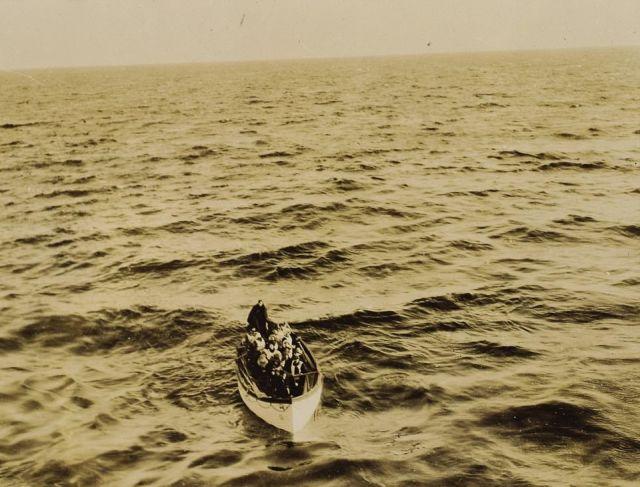 Редкие фото спасения пассажиров «Титаника» выставят на аукцион (8 фото)