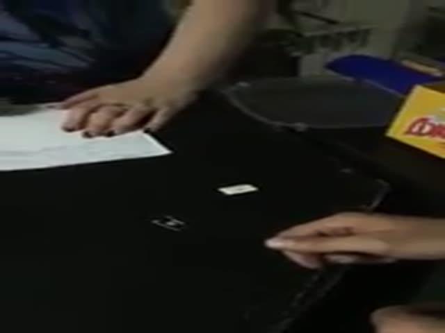 Клиент «из будущего» попытался расплатиться электронными деньгами