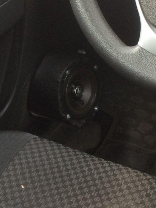 Меломаны тюнигуют свои автомобили (29 фото)