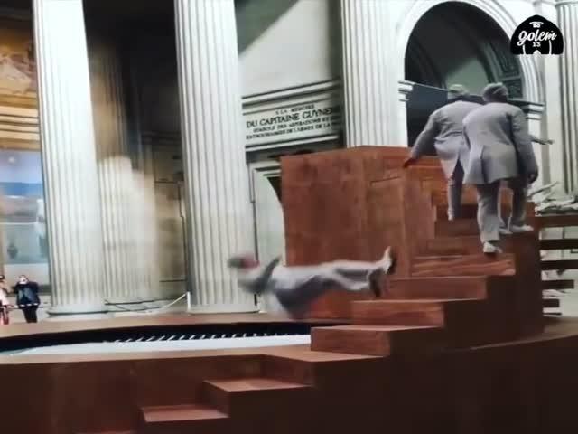 Завораживающее представление в парижском Пантеоне