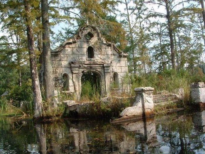Заброшенные места, в которых снимались известные фильмы (28 фото)