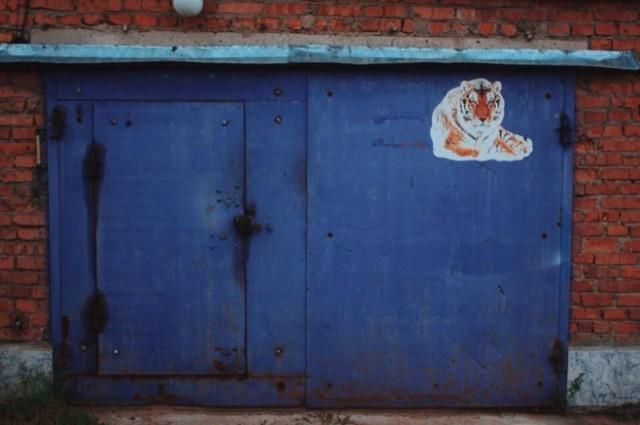 Оформление гаражей в нашей стране (25 фото)