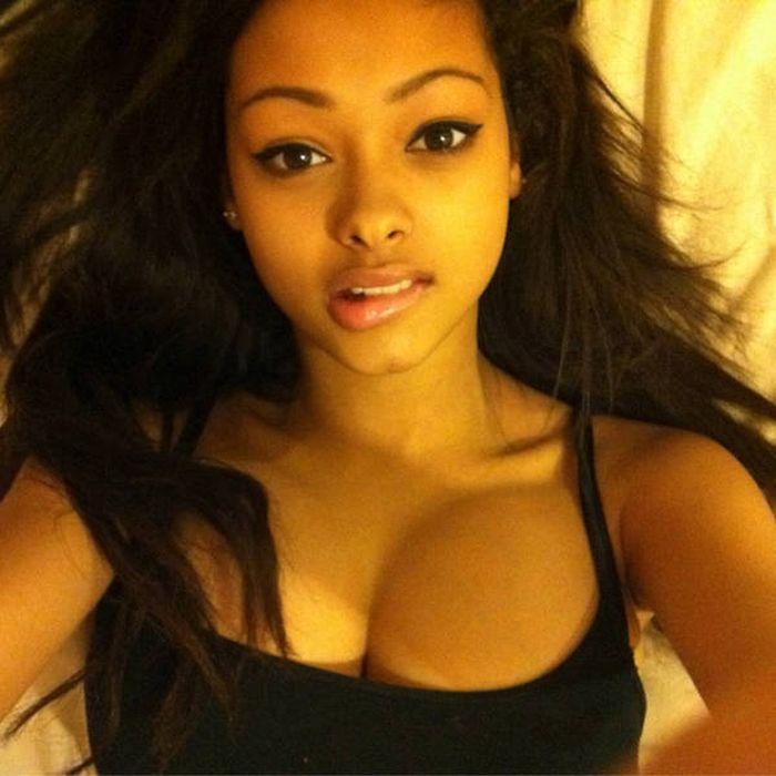 Красивые темнокожие девушки (36 фото)