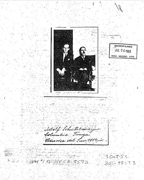 По информации ЦРУ, Гитлер мог выжить в 1945 году (2 фото)
