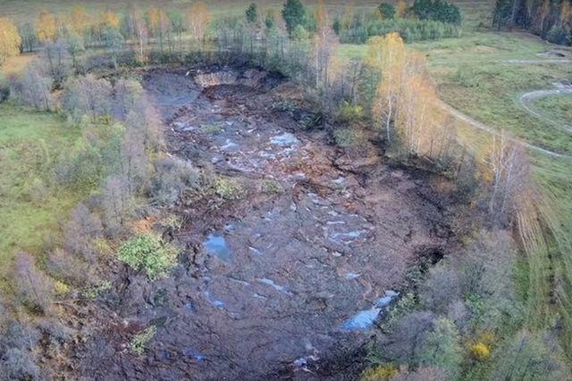 Во Владимирской области исчезло лесное озеро Саканцы (2 фото + видео)