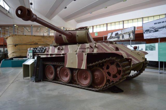 Интерьер немецкого танка из британского музея (9 фото)