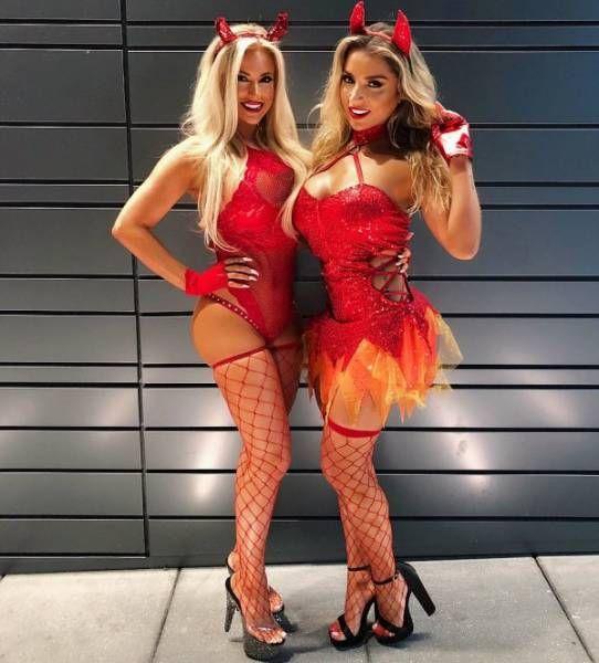 Девушки в костюмах на Хэллоуин (54 фото)